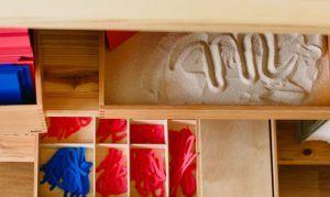 aprender a leer y escribir con materiales montessori